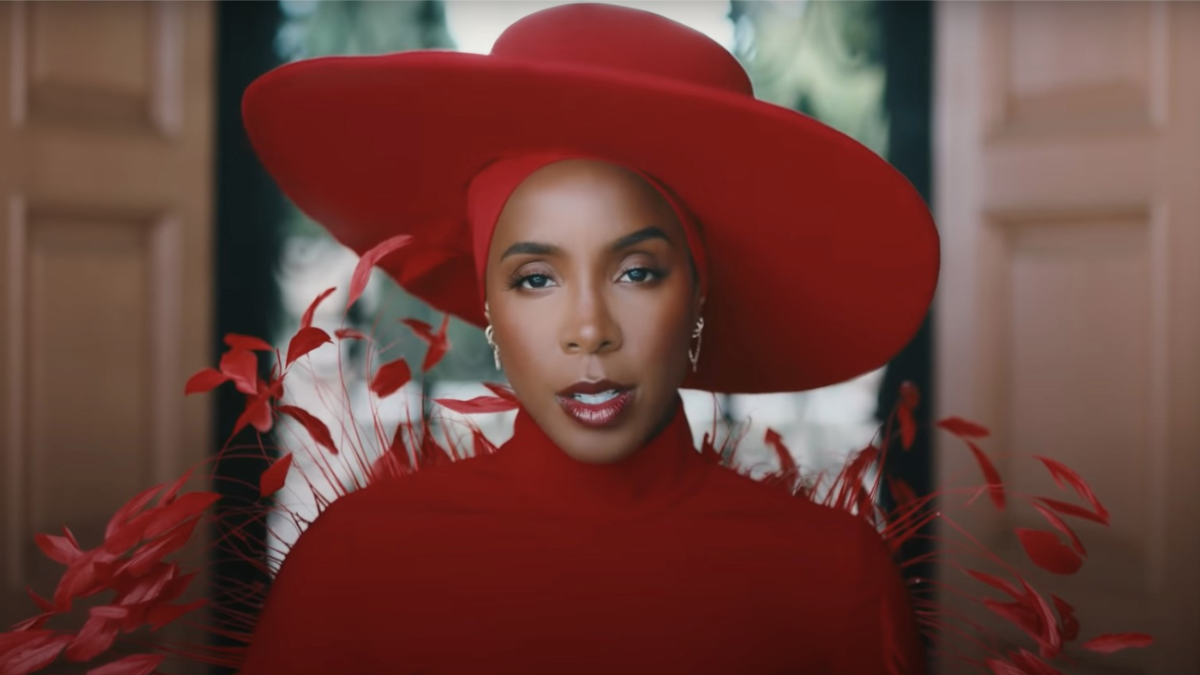 """Kelly Rowland shares new """"Flowers"""" visual"""